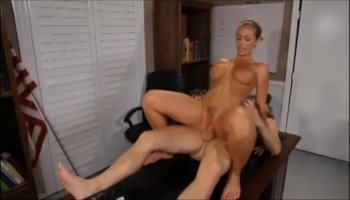 Anna De Ville and Elena taste each other's pussies